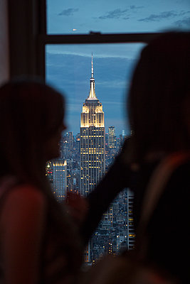 View of Empire State Building - p1057m1466858 by Stephen Shepherd