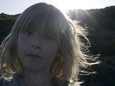 Girl, portrait - p945m2013384 by aurelia frey