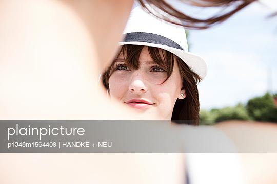 Anschauen - p1348m1564409 von HANDKE + NEU