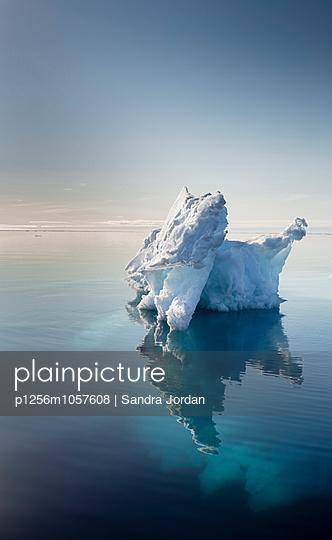 Spitzbergen - p1256m1057608 von Sandra Jordan
