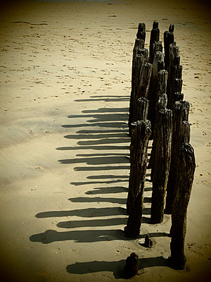 Bollards on the shore - p132m1467989 by Peer Hanslik