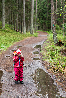Girl in forest - p312m1139658 by Peter Rutherhagen