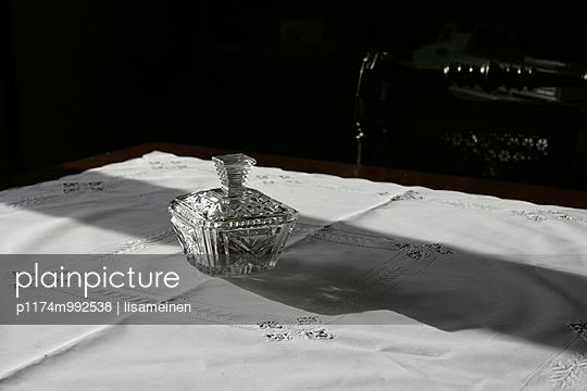 Zuckerdose aus Kristallglas - p1174m992538 von lisameinen