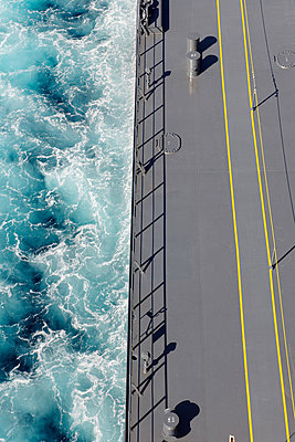 Troubled water - p1099m882874 by Sabine Vielmo