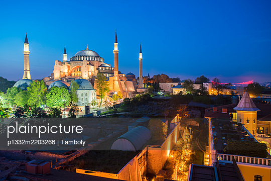 Turkey, Istanbul, Hagia Sophia Mosque and former museum at night - p1332m2203268 by Tamboly