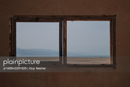 Dead Sea from an abandoned building - p1408m2291629 by Guy Nesher