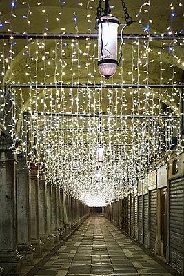 Christmas decoration San Marco Square - p1312m1575191 by Axel Killian