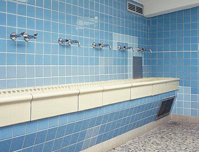 Waschraum - p2370197 von Thordis Rüggeberg