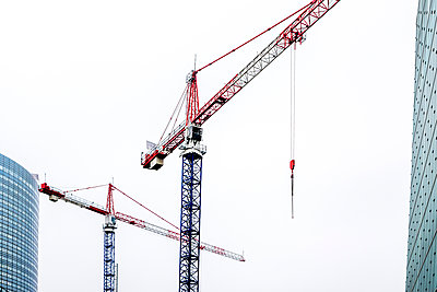 Constrution cranes in Paris - p813m1214754 by B.Jaubert
