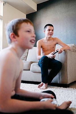 Videospiel - p1262m1198418 von Maryanne Gobble