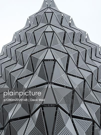 Parkhaus, futuristische Architektur - p1280m2229148 von Dave Wall