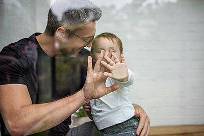 Vater und Sohn - p1156m1585761 von miep