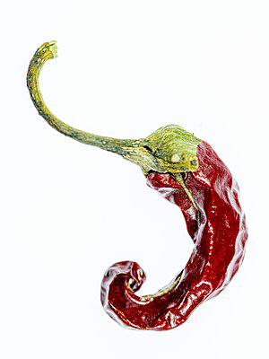 Dried chilli pepper - p401m2172889 by Frank Baquet