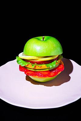 Veggie Burger - p1149m2089369 by Yvonne Röder