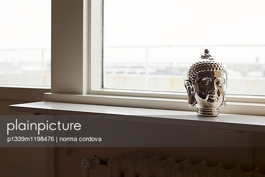 Buddha - p1339m1198476 von norma cordova