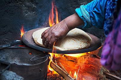 Moroccan flatbread - p1167m2269933 by Maria Schiffer