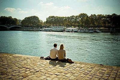 In love in Paris - p445m1183649 by Marie Docher