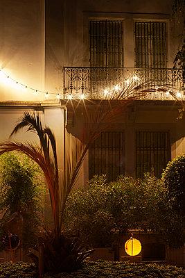 Romantischer Balkon - p606m822715 von Iris Friedrich