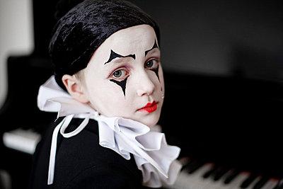 Kleiner Pierrot an Fasching - p9410004 von lina gruen