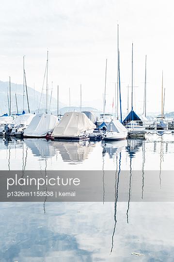 Boote, Zuger See, Schweiz - p1326m1159538 von kemai