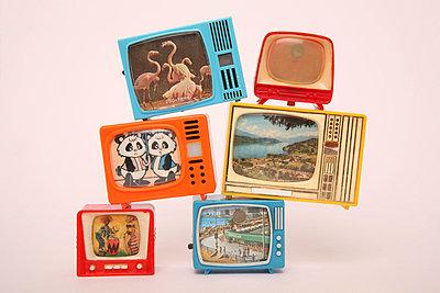 Miniature tv - p1650869 by Andrea Schoenrock