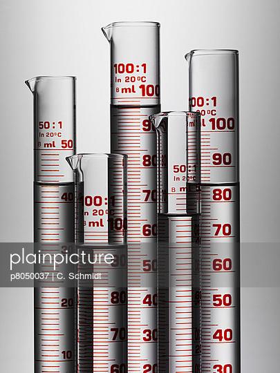 Graduated cylinders - p8050037 by C. Schmidt