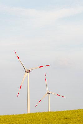 Windkraftanlage Kemel, Tausnuskamm, Rheingau Taunus Kreis - p718m892116 von Arne Landwehr