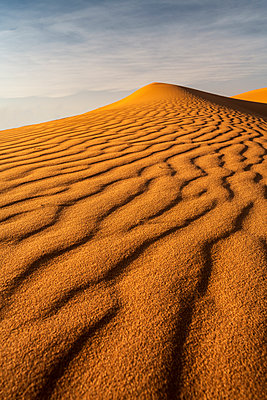 Sand dunes, Sahara Desert, Morocco, North Africa, Africa - p871m2209274 by Ed Rhodes