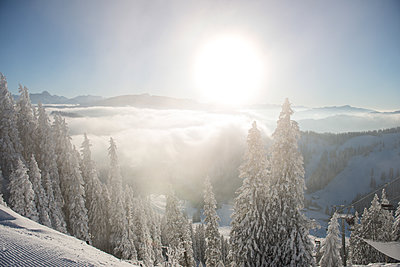 Winterlandschaft - p1142m1496426 von Runar Lind