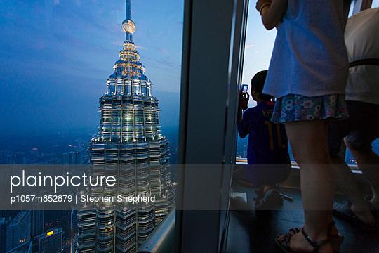 One of the Petronas Towers - p1057m852879 by Stephen Shepherd