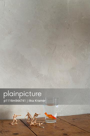 Umzingelt - p1116m944741 von Ilka Kramer