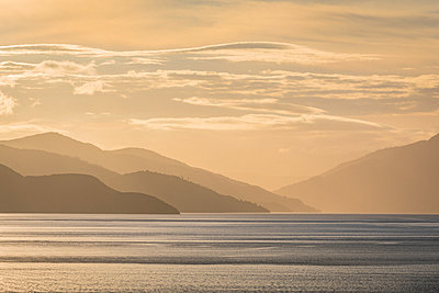 Beautiful ocean cost in beautiful New Zealand - p1166m2123562 by Cavan Images