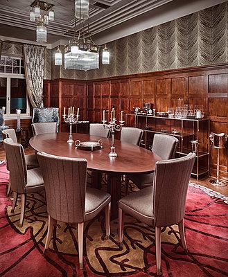 Villa mit luxuriöser Inneneinrichtung - p390m1362312 von Frank Herfort