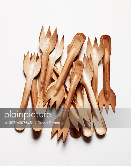 Wodden forks - p1397m2076451 by David Prince