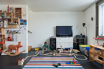 Family room - p282m945974 by Holger Salach