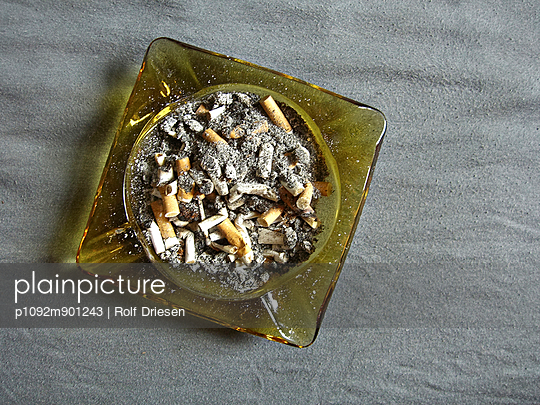 Ashtray - p1092m901243 by Rolf Driesen