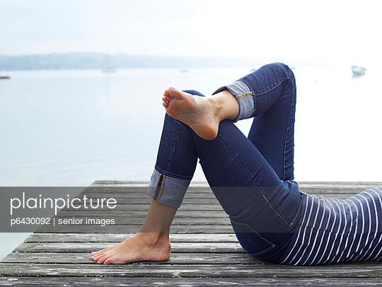 Füße einer Frau  - p6430092 von senior images