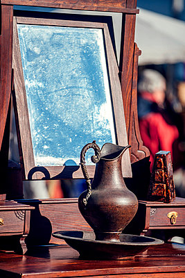 Portugal, Lisbon, old objects at Feira da Ladra flea market - p300m999025f by klublu
