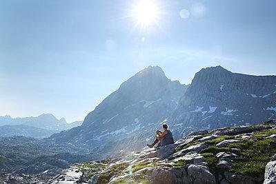 Alpenwandern - p1330m1203617 von Caterina Rancho