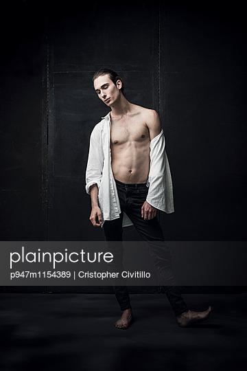 Tänzer - p947m1154389 von Cristopher Civitillo