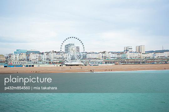 Brighton Beach - p432m854560 by mia takahara
