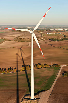 Wind turbine - p1079m881318 by Ulrich Mertens