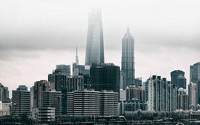 Shanghai Skyline Blue - p1154m2022420 by Tom Hogan