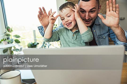 deutschland,mannheim,lifestyle,people,family,zuhause - p300m2286857 von Uwe Umstätter