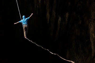 Highlining in southern Bavaria - p343m1026699f by Nicolas Armer