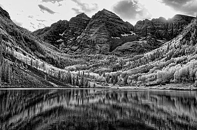 Infrared image of the Maroon Bells  - p343m1168132 by Rhona Wise