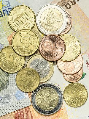 Euro Bargeld - p401m1362768 von Frank Baquet