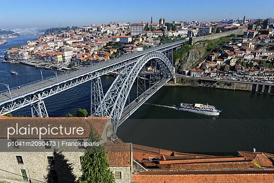 Dom Luis I Bridge in Porto - p1041m2090473 by Franckaparis