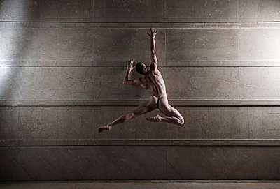 Naked man takes a leap - p1139m1503048 by Julien Benhamou