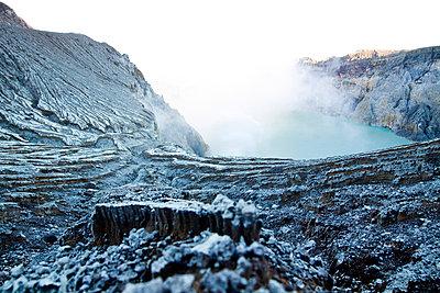 Alien landscape of the Kawah Ijen Sulphur Mines in East Java - p934m1022322 by Dominic Blewett